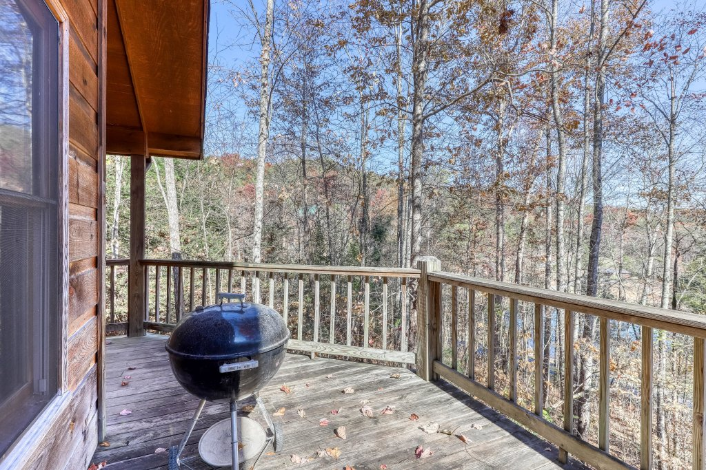 Photo of a Sevierville Cabin named Hickory Hill - This is the twenty-sixth photo in the set.