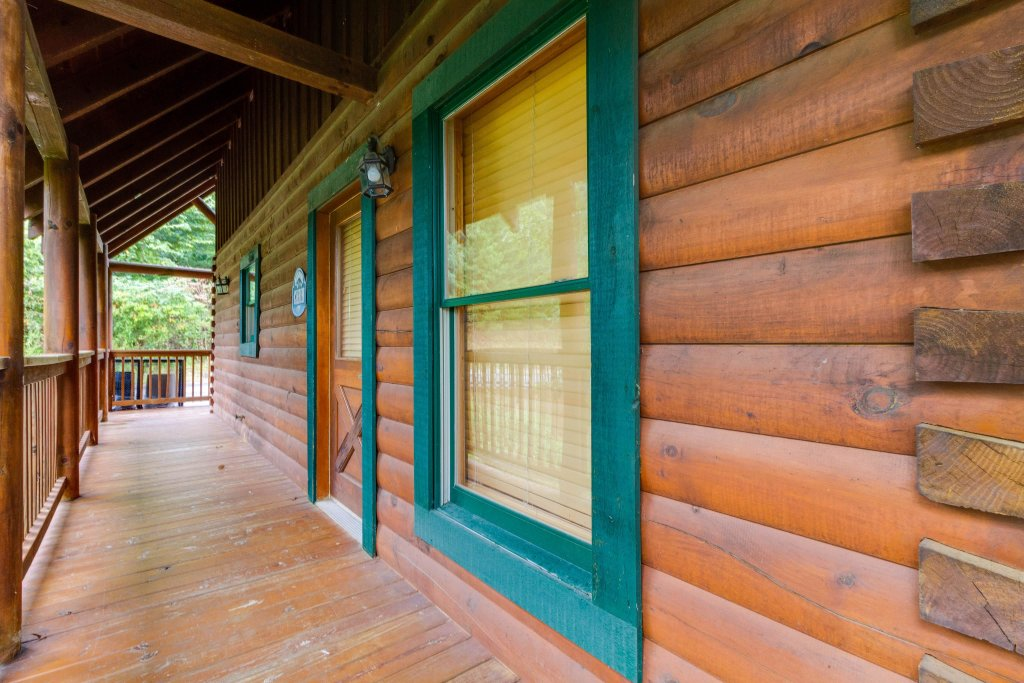 Photo of a Pigeon Forge Cabin named Almost Heaven - This is the twenty-first photo in the set.