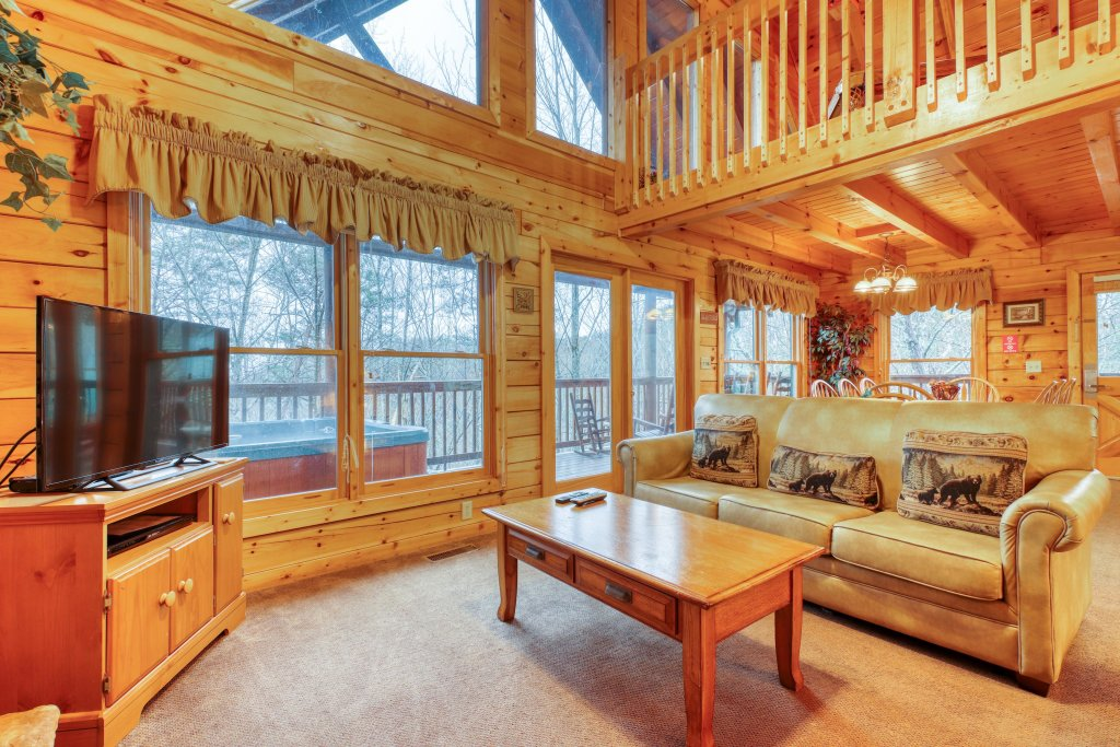 Photo of a Pigeon Forge Cabin named Robin's Rest - This is the eleventh photo in the set.