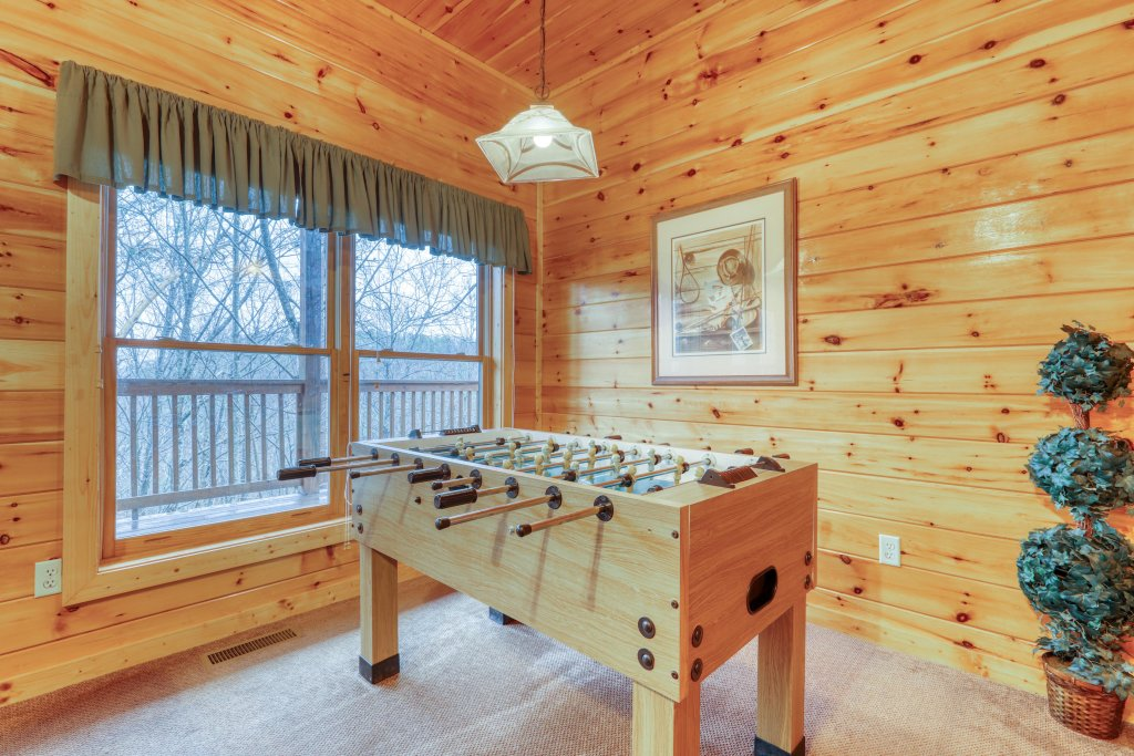 Photo of a Pigeon Forge Cabin named Robin's Rest - This is the fifth photo in the set.