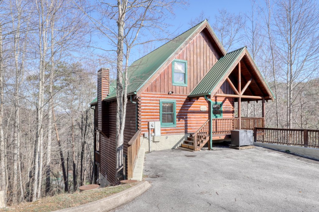 Photo of a Pigeon Forge Cabin named Robin's Rest - This is the thirty-sixth photo in the set.