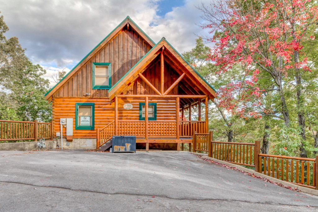 Photo of a Pigeon Forge Cabin named Treehouse - This is the twenty-seventh photo in the set.