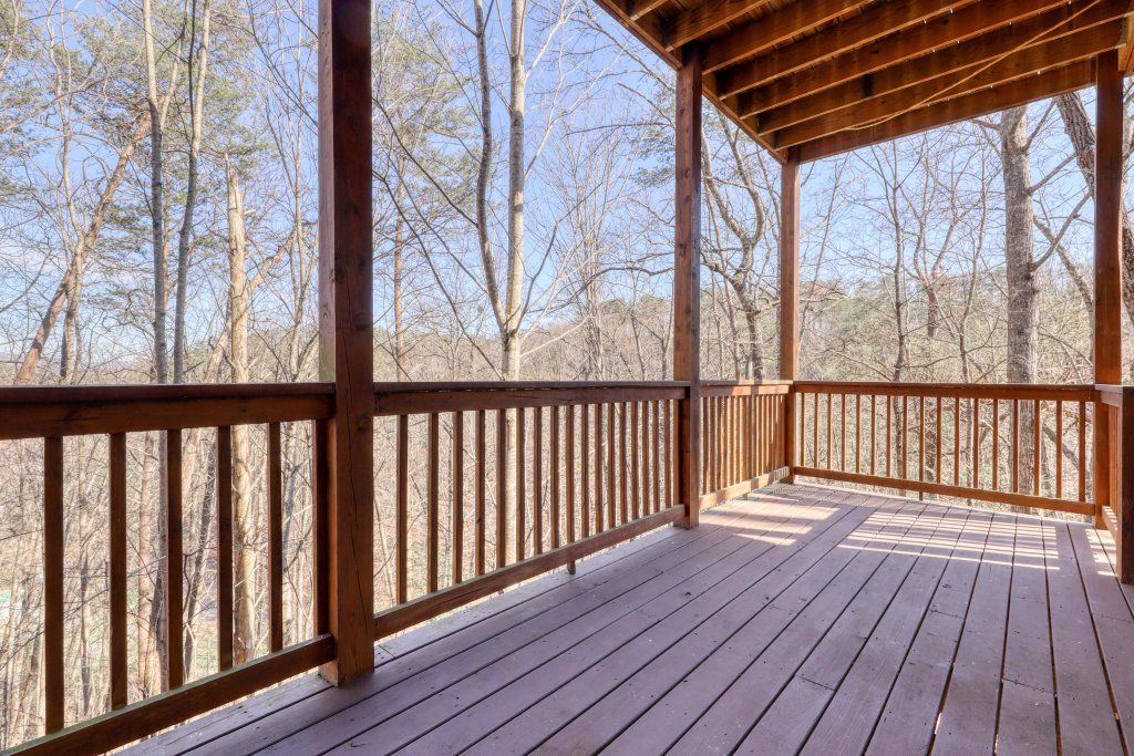Photo of a Pigeon Forge Cabin named Robin's Rest - This is the thirty-fourth photo in the set.