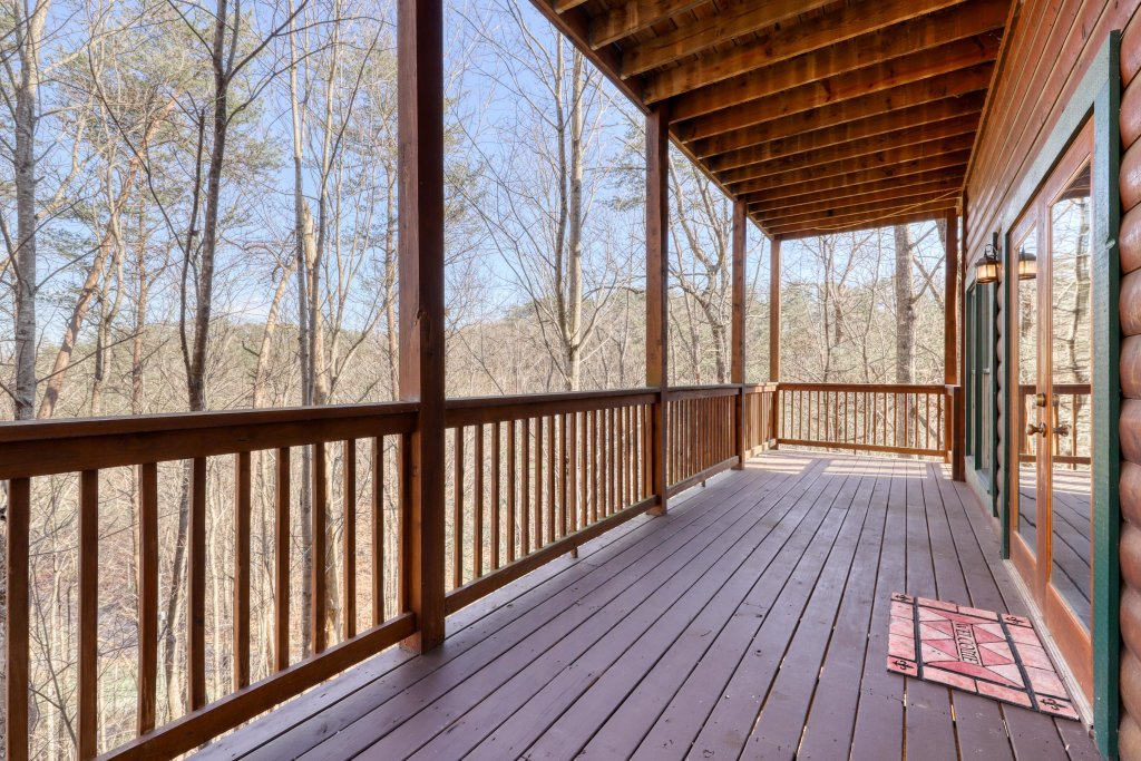 Photo of a Pigeon Forge Cabin named Robin's Rest - This is the thirty-fifth photo in the set.