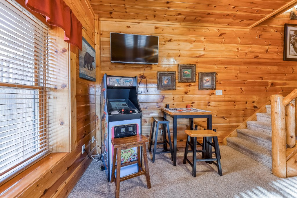 Photo of a Sevierville Cabin named Valley Vista - This is the twenty-eighth photo in the set.