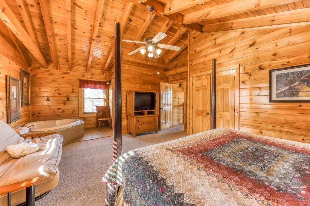 Photo of a Sevierville Cabin named Valley Vista - This is the twelfth photo in the set.
