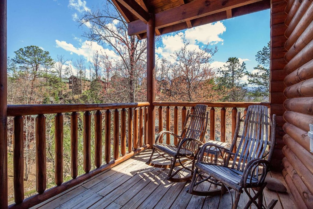 Photo of a Gatlinburg Cabin named Rustic Paradise - This is the third photo in the set.