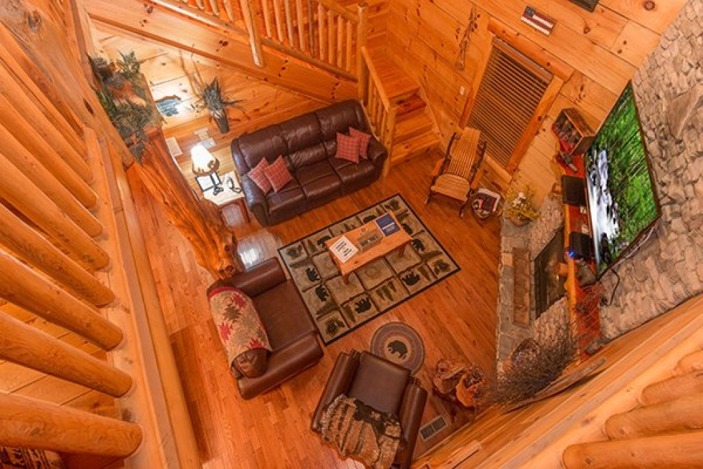 Photo of a Sevierville Cabin named Bearfoot Paradise - This is the nineteenth photo in the set.