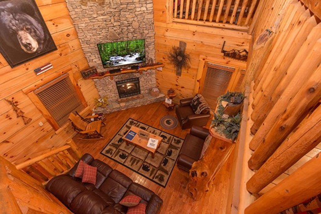 Photo of a Sevierville Cabin named Bearfoot Paradise - This is the twentieth photo in the set.