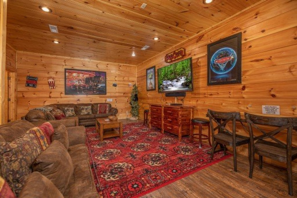 Photo of a Sevierville Cabin named Bearfoot Paradise - This is the thirty-first photo in the set.