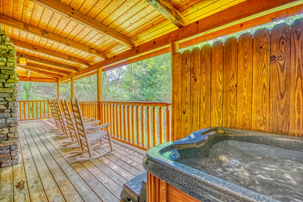 Photo of a Pigeon Forge Cabin named Gone Swimmin' #260 - This is the twenty-second photo in the set.