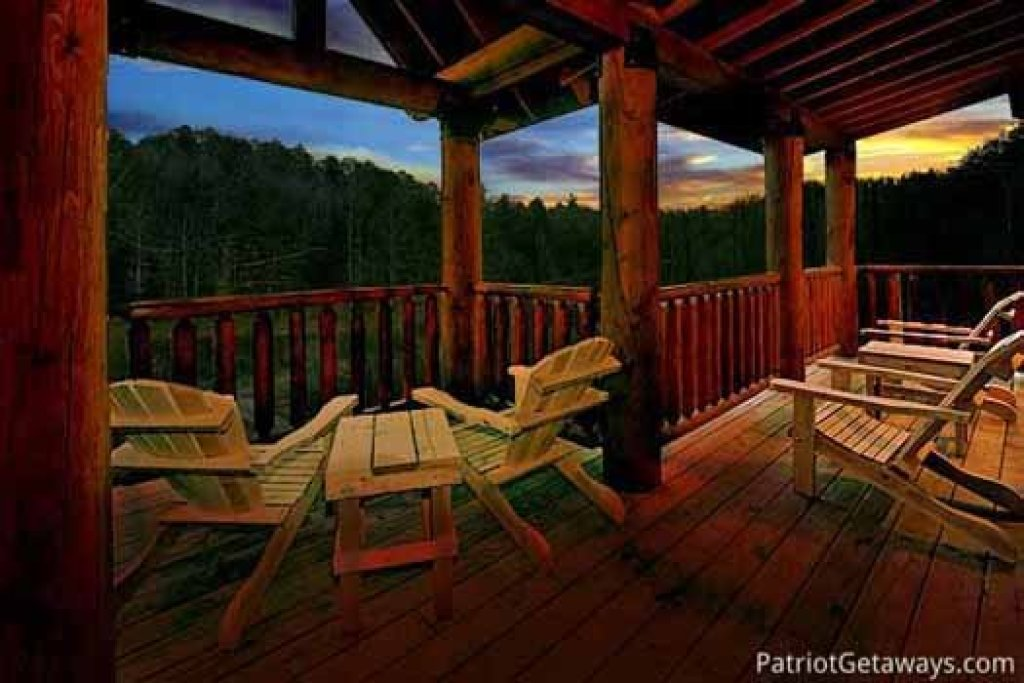 Photo of a Sevierville Cabin named A Great Escape - This is the first photo in the set.