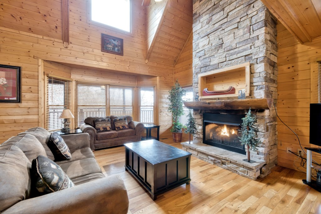 Photo of a Pigeon Forge Cabin named Country Living - This is the third photo in the set.