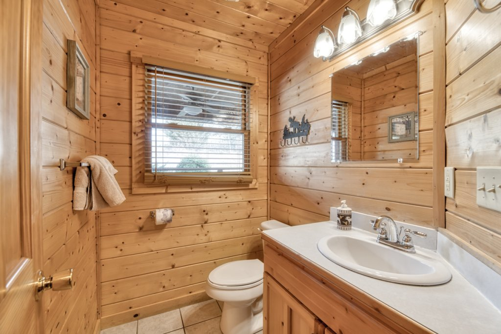 Photo of a Pigeon Forge Cabin named Country Living - This is the twenty-sixth photo in the set.