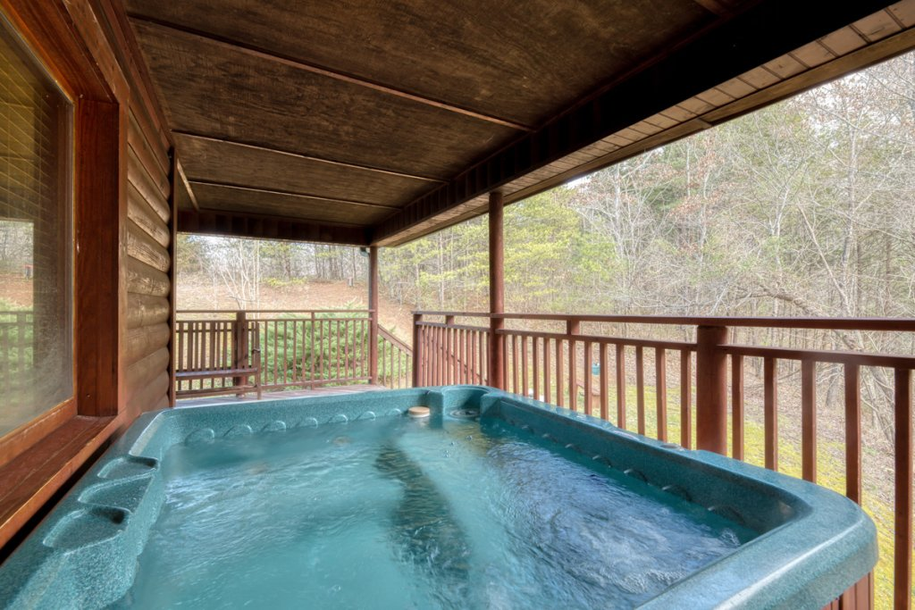 Photo of a Pigeon Forge Cabin named Country Living - This is the thirty-first photo in the set.