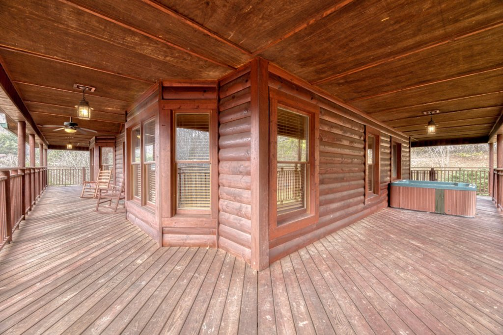 Photo of a Pigeon Forge Cabin named Country Living - This is the twenty-ninth photo in the set.