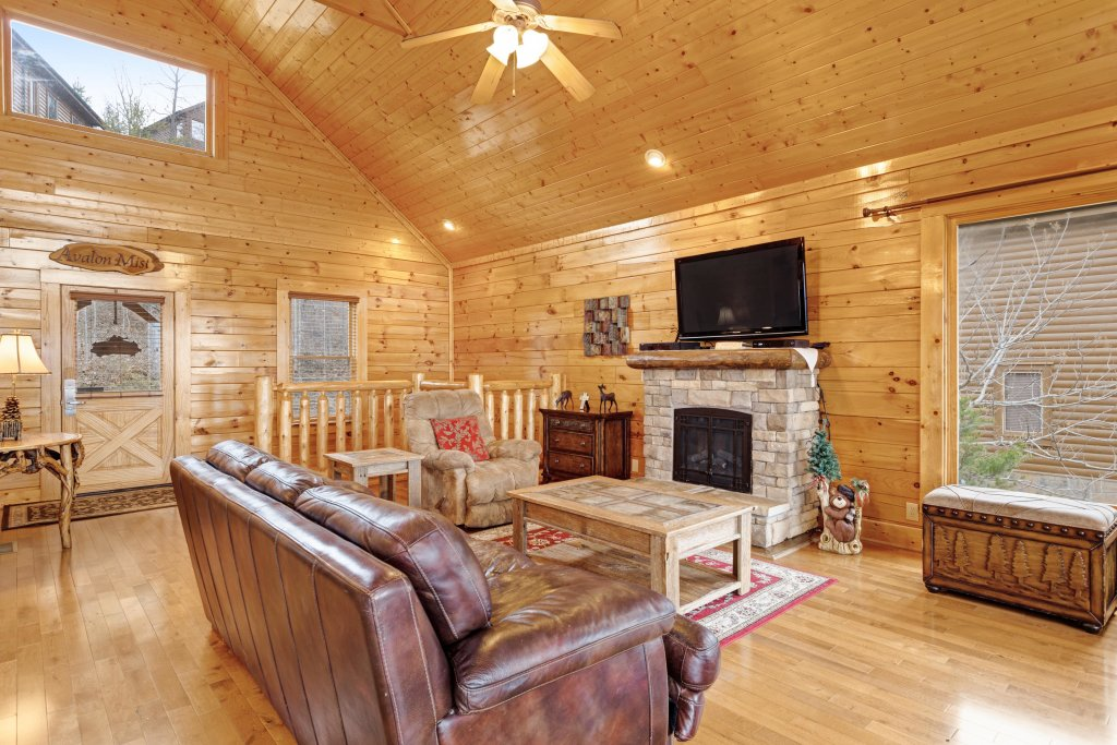 Photo of a Pigeon Forge Cabin named Avalon Mist - This is the twenty-second photo in the set.