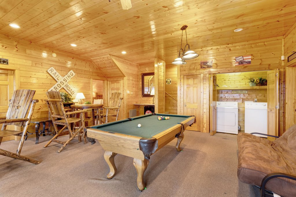 Photo of a Pigeon Forge Cabin named A Diamond In The Sky - This is the fifteenth photo in the set.