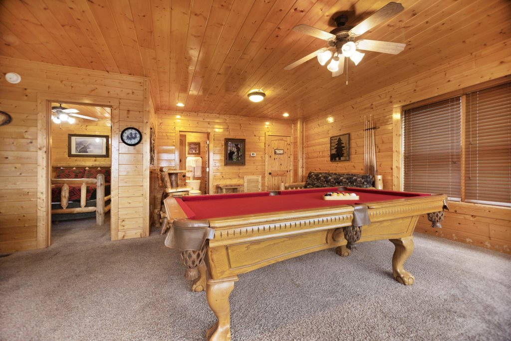 Photo of a Pigeon Forge Cabin named Livin High - This is the third photo in the set.