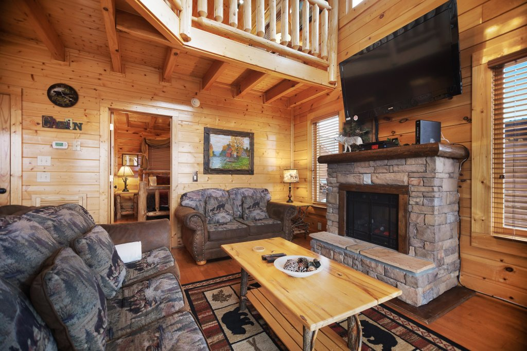 Photo of a Pigeon Forge Cabin named Livin High - This is the sixth photo in the set.