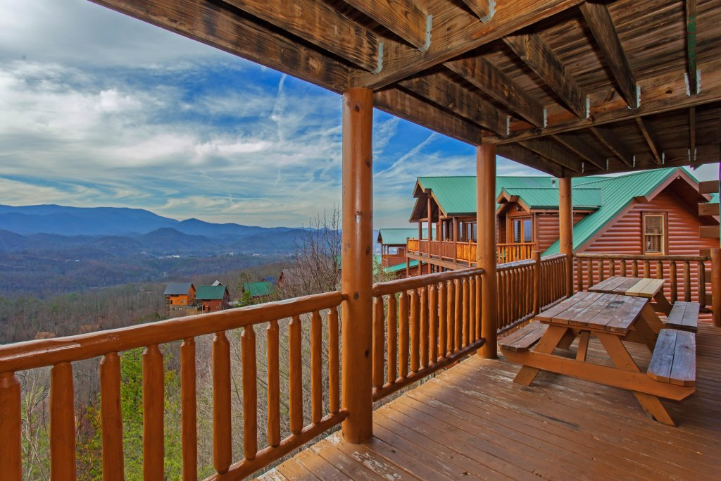 Photo of a Pigeon Forge Cabin named A Diamond In The Sky - This is the forty-fourth photo in the set.