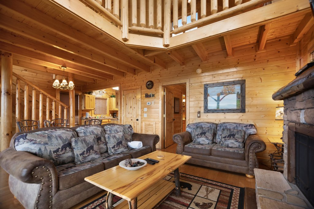 Photo of a Pigeon Forge Cabin named Livin High - This is the twenty-second photo in the set.