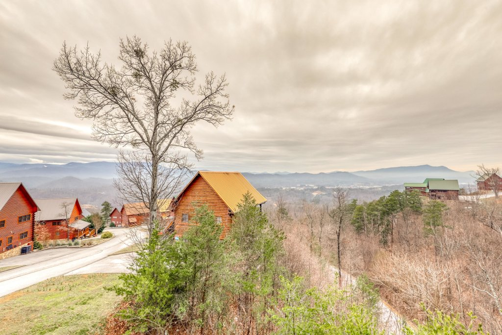 Photo of a Pigeon Forge Cabin named Sweet Surrender - This is the twenty-sixth photo in the set.