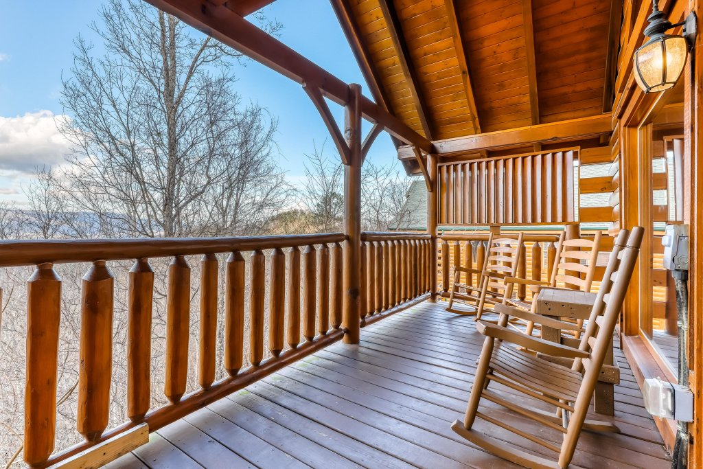 Photo of a Sevierville Cabin named Nature's Paradise - This is the seventh photo in the set.