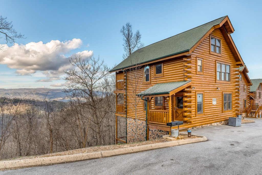 Photo of a Sevierville Cabin named Nature's Paradise - This is the thirty-seventh photo in the set.