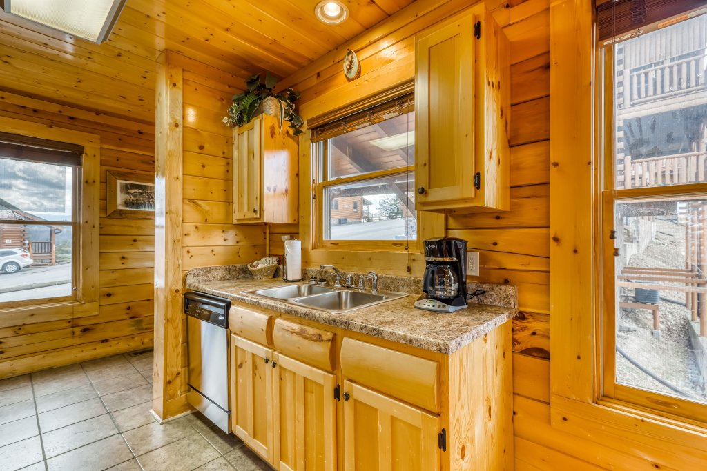 Photo of a Sevierville Cabin named Nature's Paradise - This is the seventeenth photo in the set.