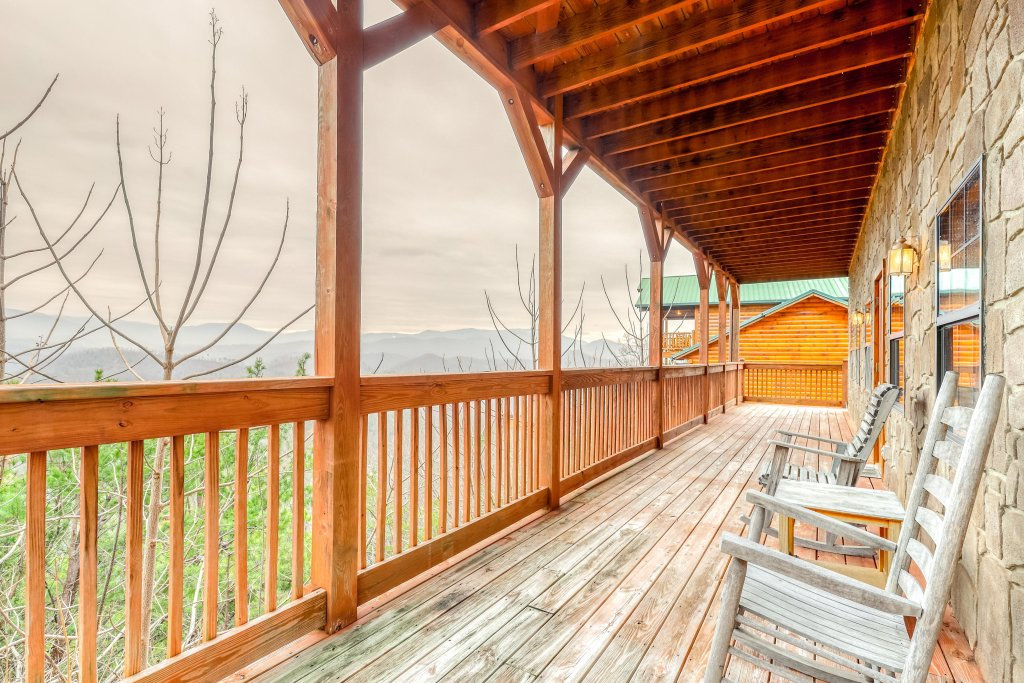 Photo of a Pigeon Forge Cabin named Grand View Lodge - This is the thirty-fourth photo in the set.