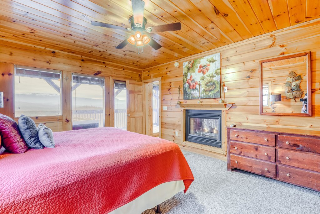 Photo of a Pigeon Forge Cabin named Grand View Lodge - This is the twenty-third photo in the set.