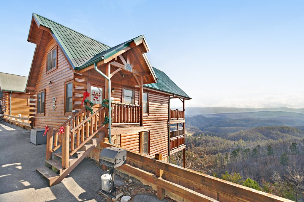 Photo of a Pigeon Forge Cabin named Breathtaking View - This is the first photo in the set.