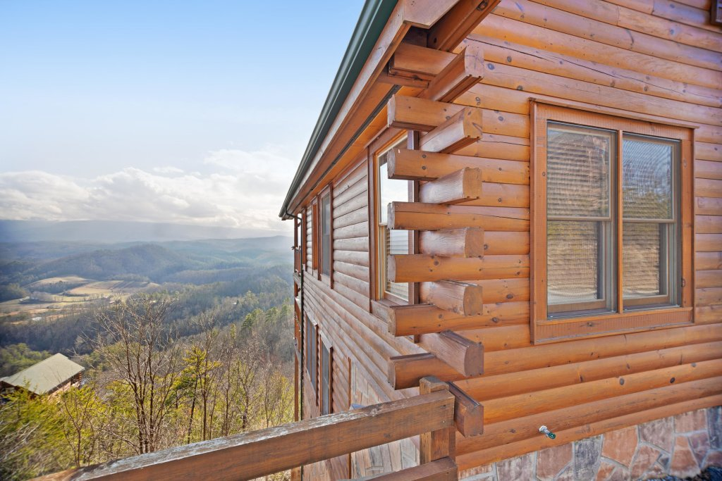 Photo of a Pigeon Forge Cabin named Breathtaking View - This is the thirtieth photo in the set.
