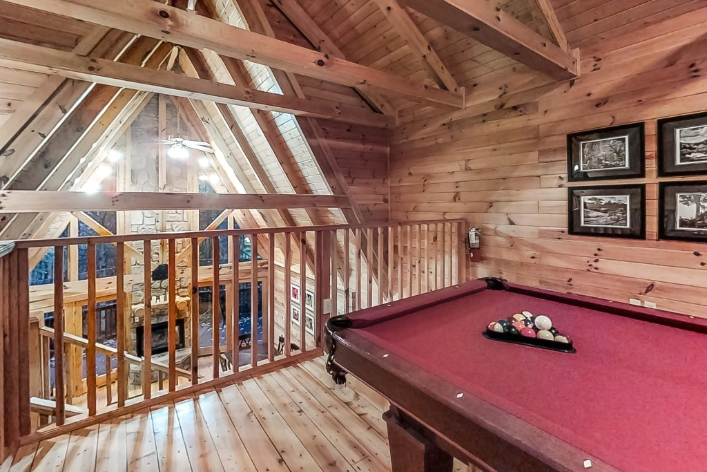 Photo of a Gatlinburg Cabin named Woodland Hideaway - This is the fifth photo in the set.