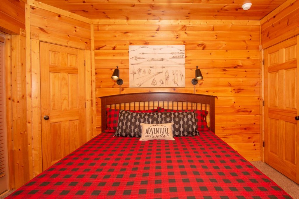 Photo of a Gatlinburg Cabin named The Grandview - This is the eighteenth photo in the set.