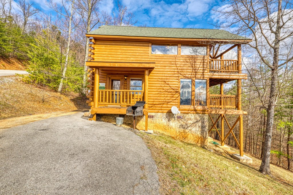 Photo of a Sevierville Cabin named Just The Two Of Us - This is the forty-first photo in the set.