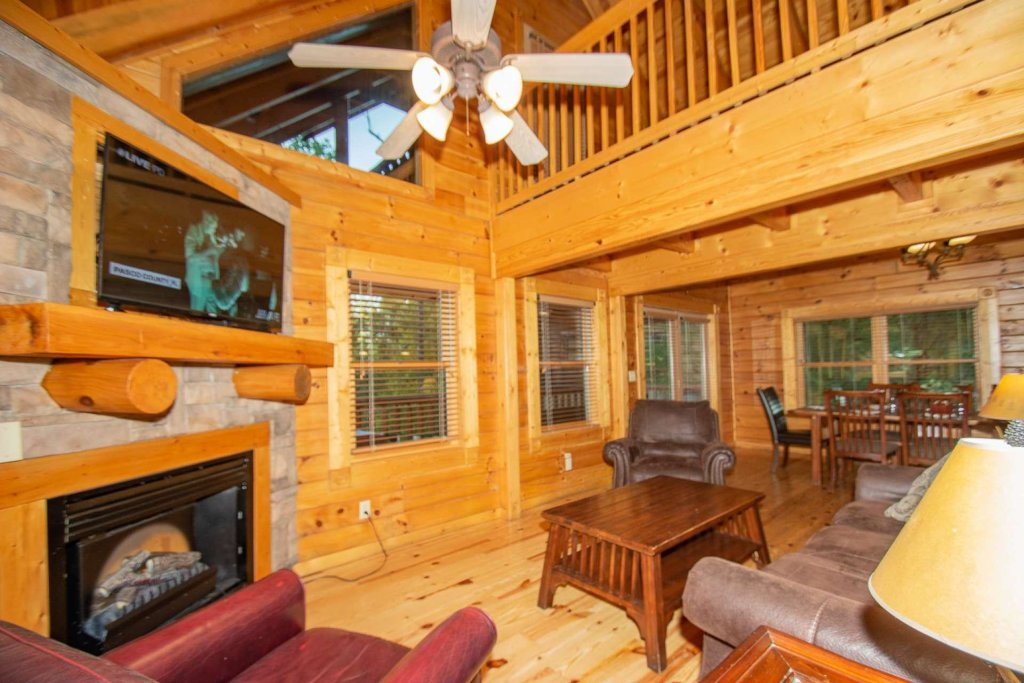 Photo of a Gatlinburg Cabin named The Grandview - This is the ninth photo in the set.
