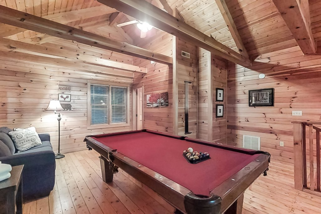 Photo of a Gatlinburg Cabin named Woodland Hideaway - This is the thirty-third photo in the set.