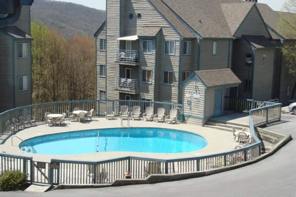 Photo of a Gatlinburg Cabin named Ez~days Mountain View Condo At The Summit - This is the twenty-fifth photo in the set.