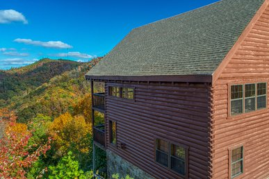 Pigeon Forge Log Cabin: Incredible Mountain Views, Pool Table, & Video Game