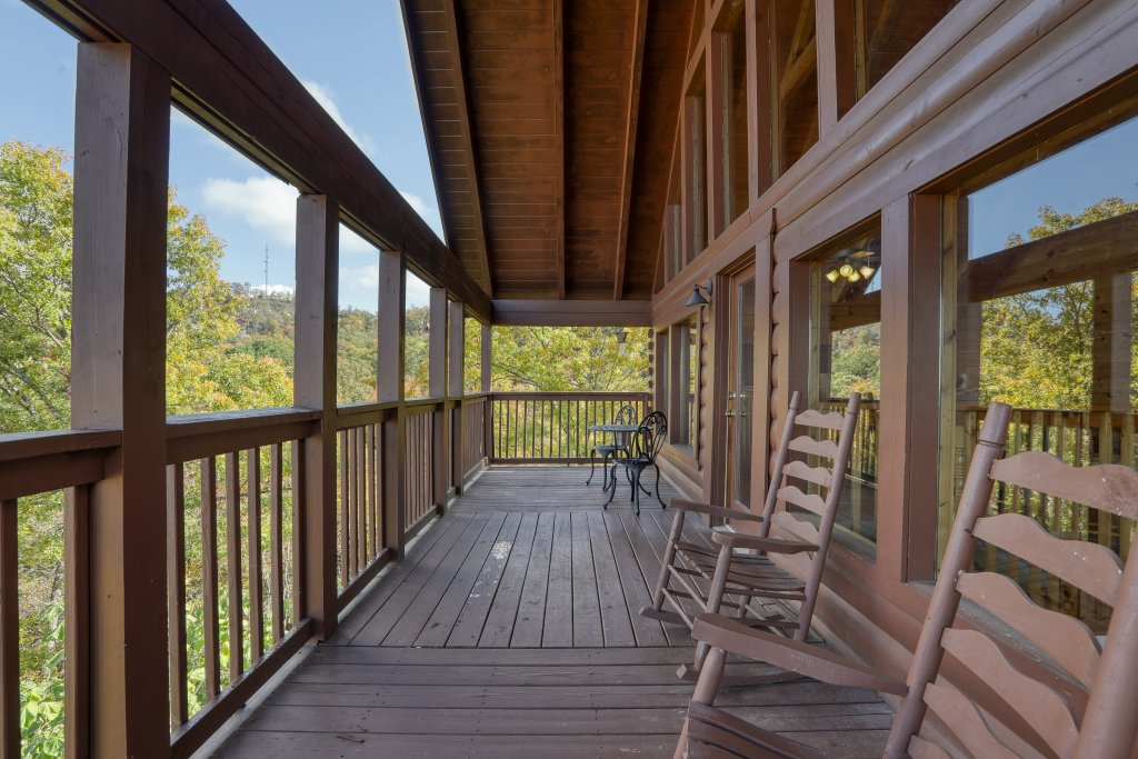 Photo of a Pigeon Forge Cabin named Evening View #133 - This is the sixtieth photo in the set.
