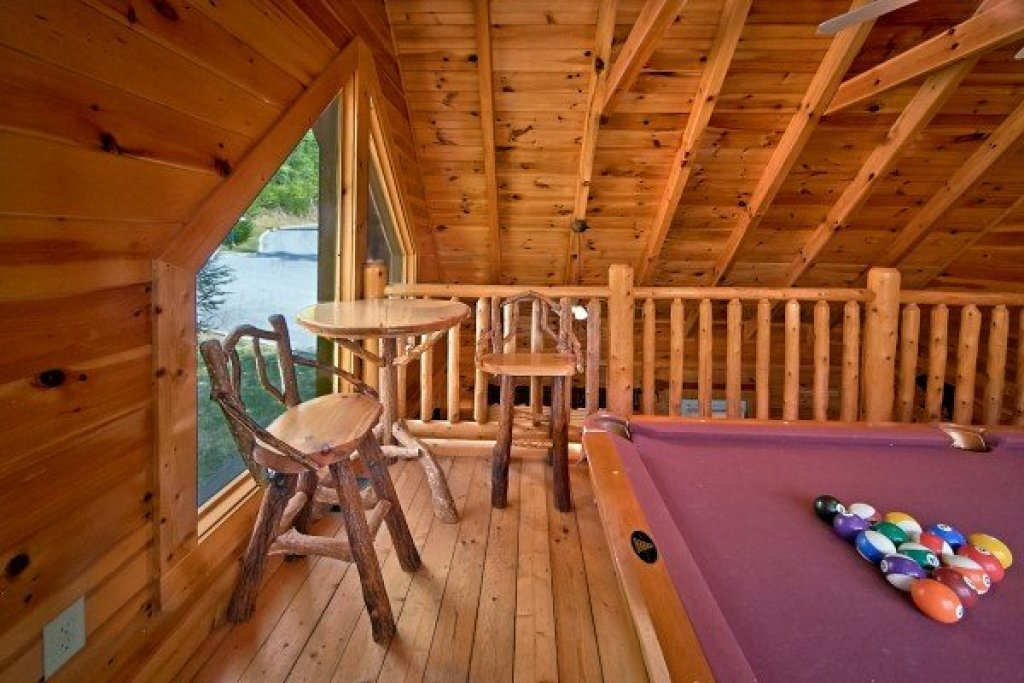 Photo of a Sevierville Cabin named An Elegant Moose - This is the fourteenth photo in the set.