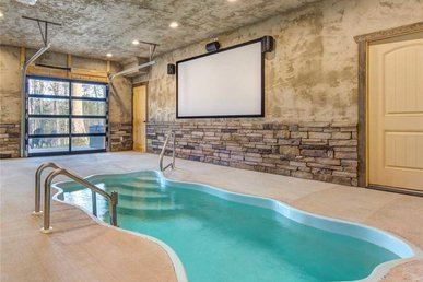 Poolin Around, 1 Bedroom, Private Heated Indoor Pool, Hot Tub, Sleeps 4