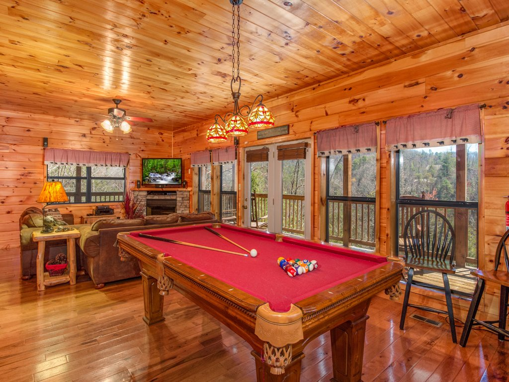 Photo of a Gatlinburg Cabin named Bear Hunter - This is the eleventh photo in the set.