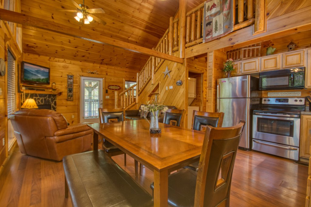 Photo of a Pigeon Forge Cabin named Dare To Bear #238 - This is the eighth photo in the set.