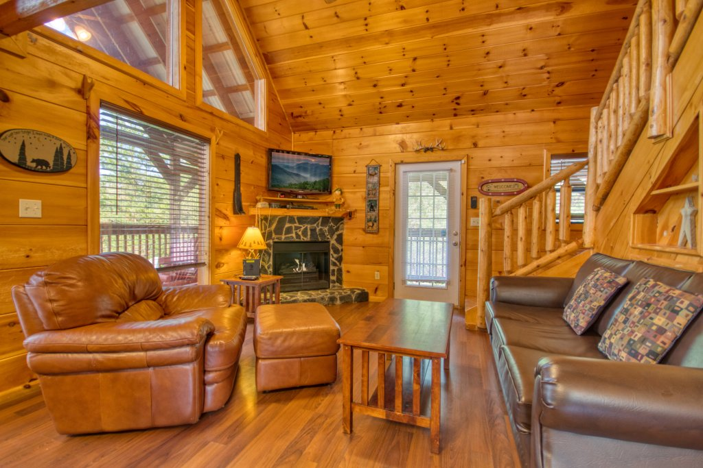 Photo of a Pigeon Forge Cabin named Dare To Bear #238 - This is the sixth photo in the set.