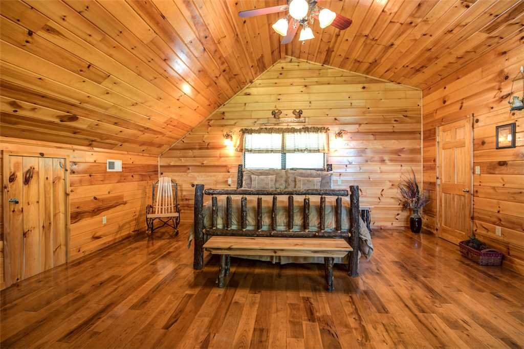 Photo of a Sevierville Cabin named Bear Hunter - This is the eighteenth photo in the set.