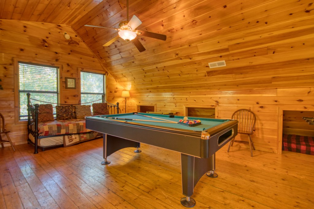 Photo of a Pigeon Forge Cabin named Dare To Bear #238 - This is the sixteenth photo in the set.