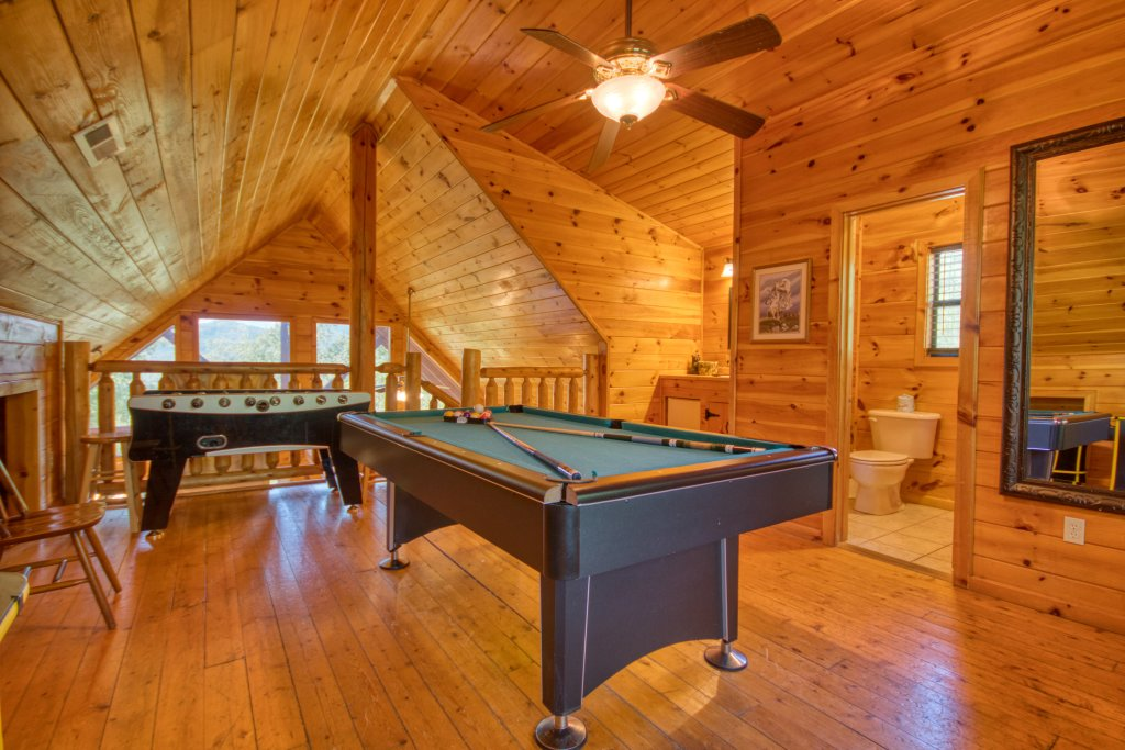 Photo of a Pigeon Forge Cabin named Dare To Bear #238 - This is the seventeenth photo in the set.